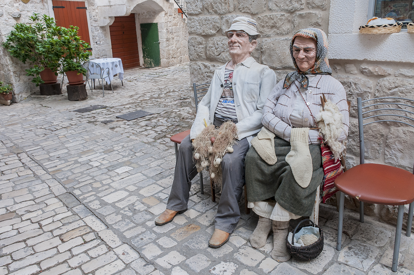 11.   Trogir doll couple.jpg