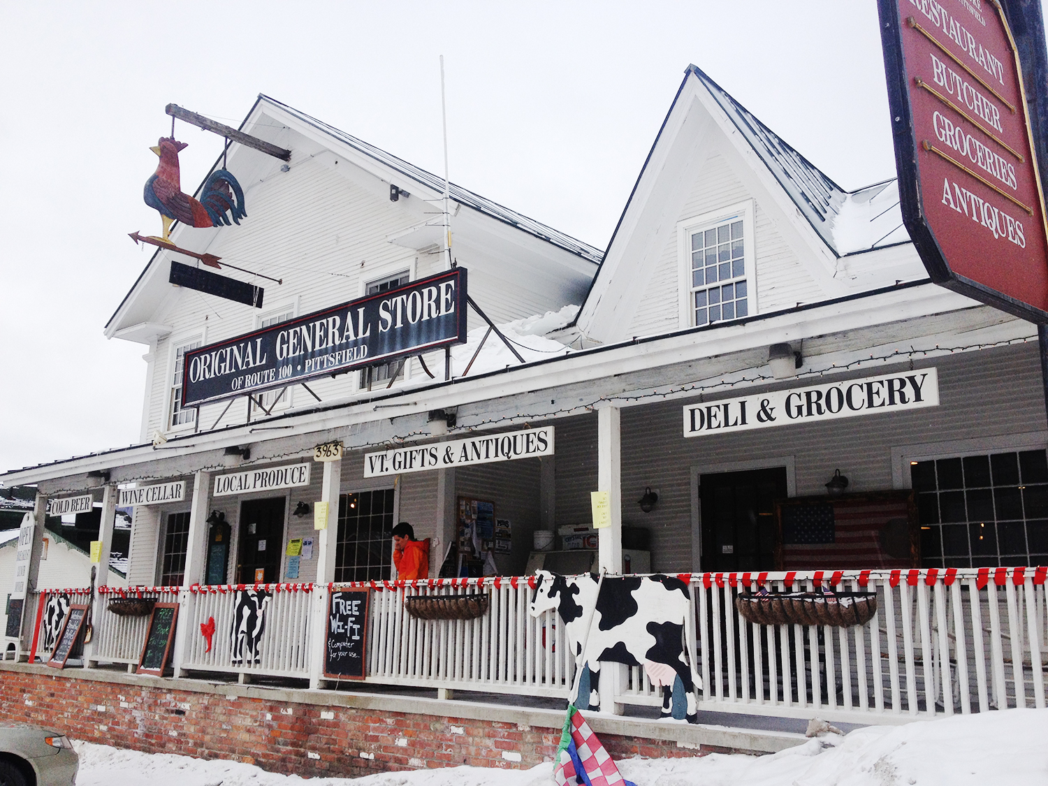 Original Country Store: Pittsfield, VT - Your perfect stop for a warm meal, old time penny candy, fresh juices and real fruit smoothies, groceries, a full wine cellar and lots of fun Vermont products and souvenirs, including Barn Owl Felted Soap!
