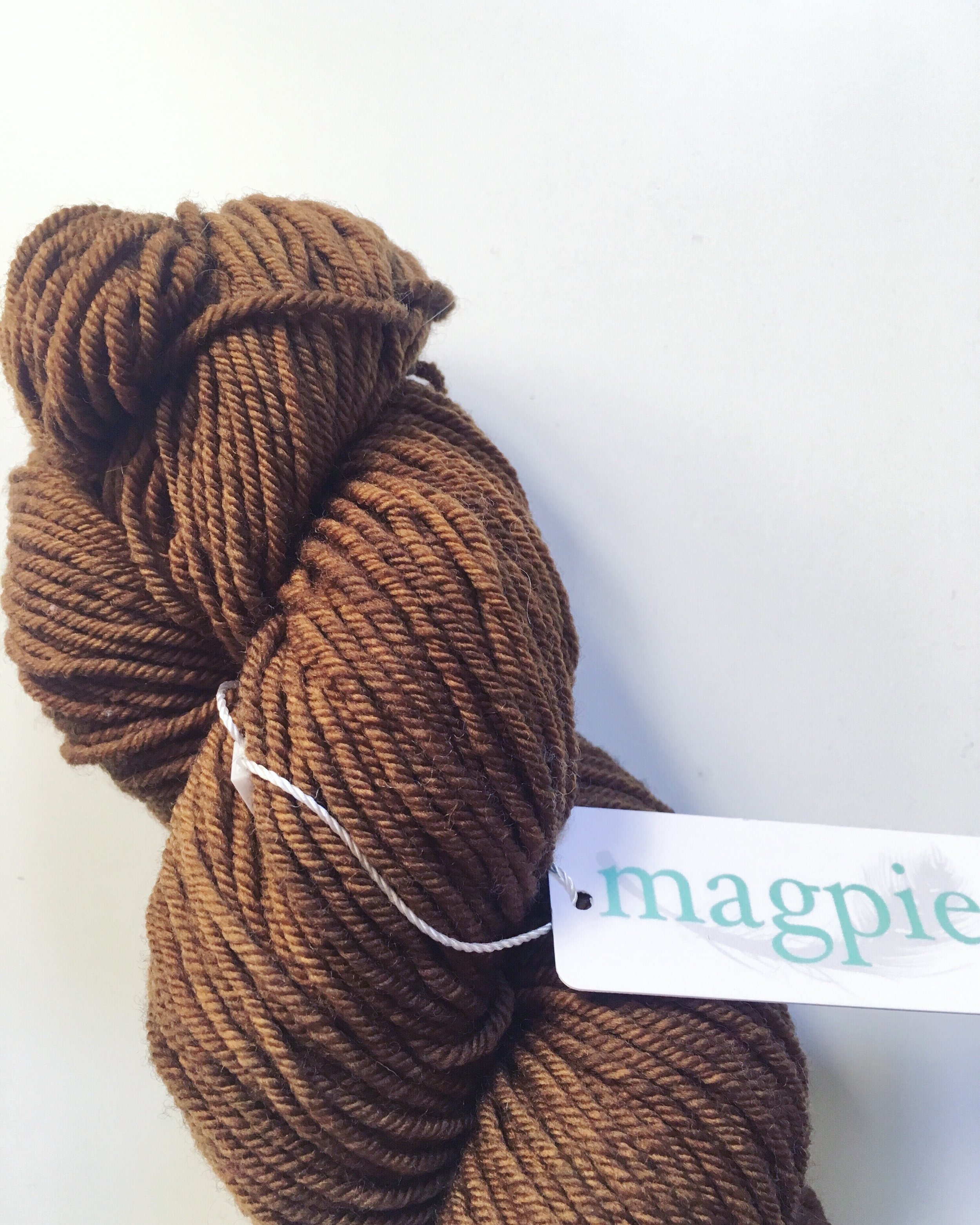 magpie_domestic_worsted_1.jpg