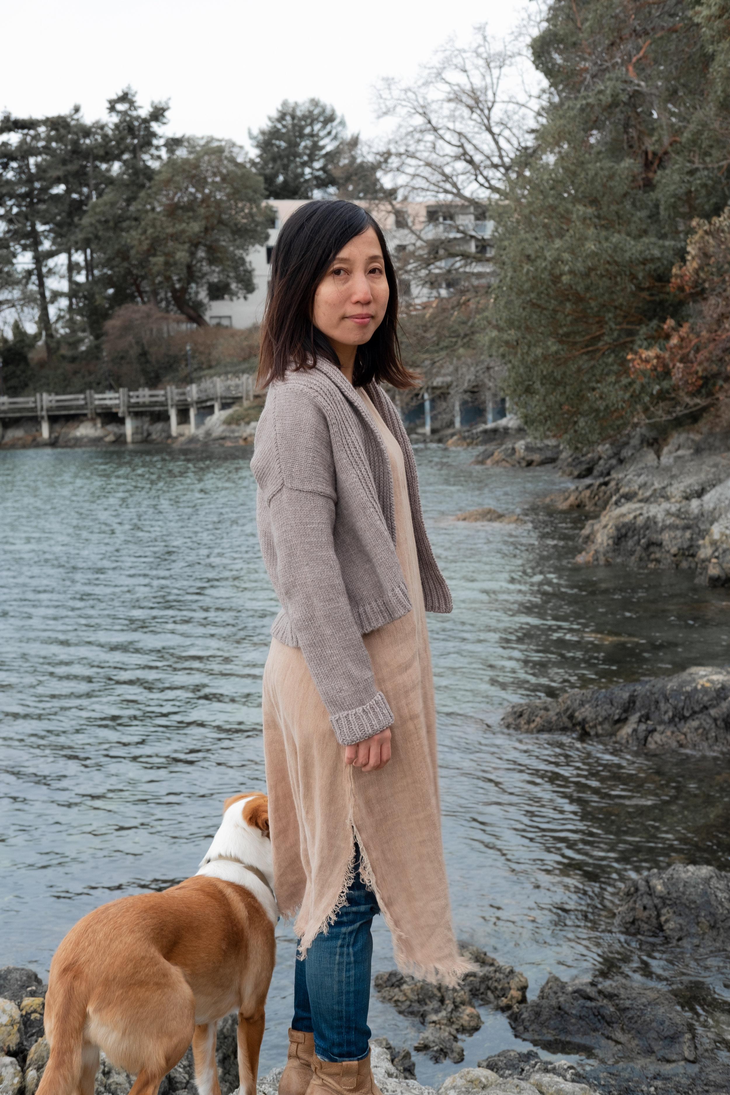 Suzu in natural Gilwell cardigan
