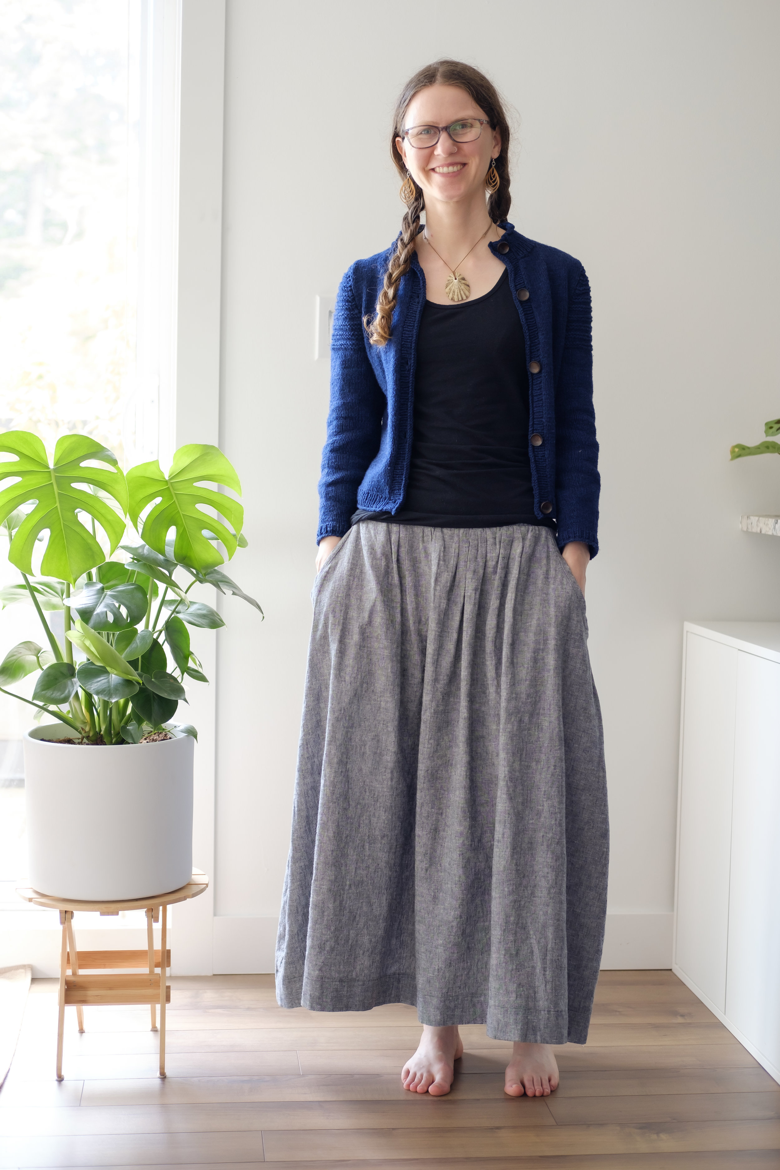 What I want to wear every day right now - a maxi skirt, fitted tank, and cropped cardigan. Pockets and braids of course!