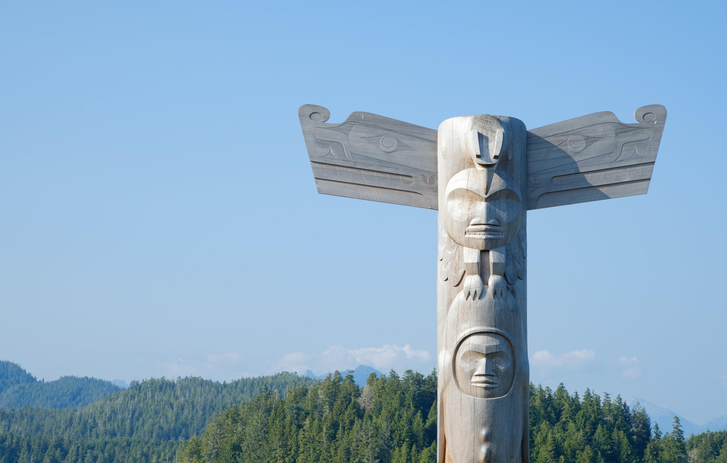 Totem pole at Anchor Park carved by Joe David
