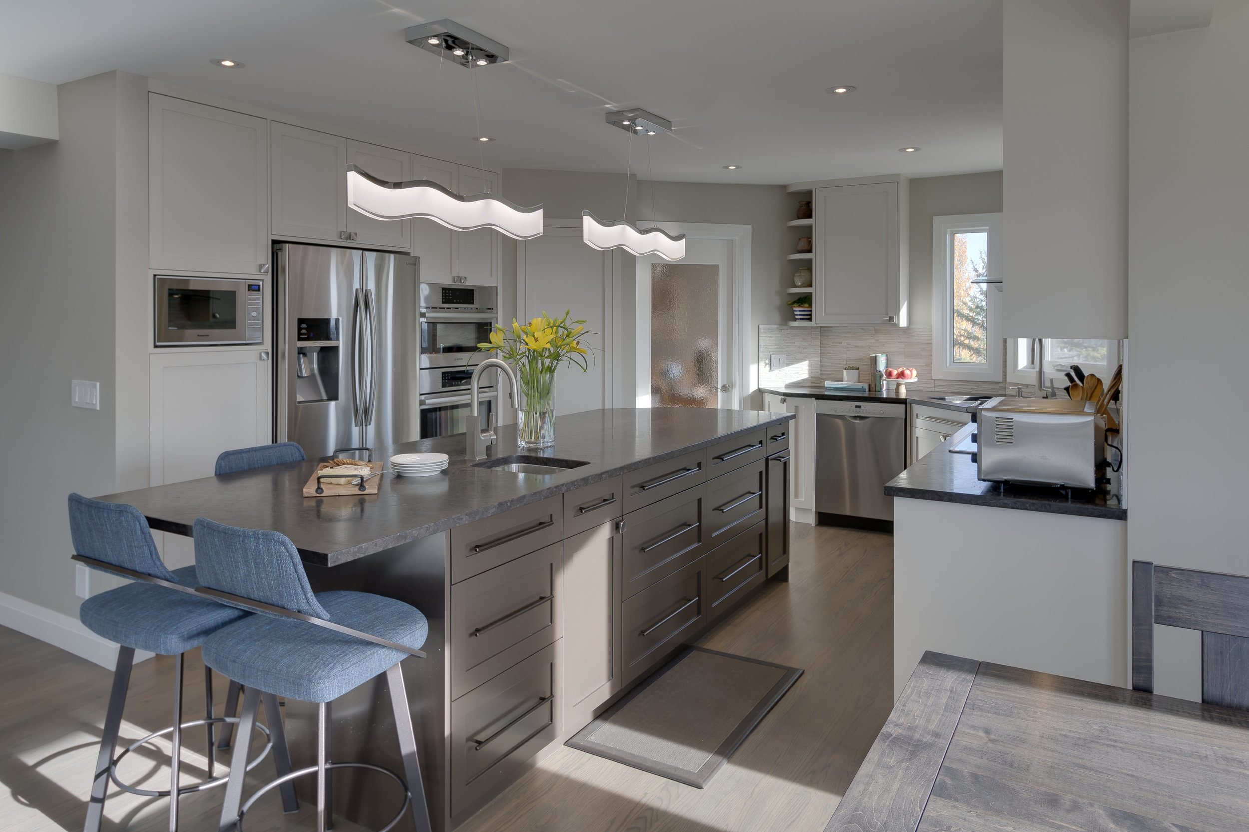 Calgary modern kitchen.jpg