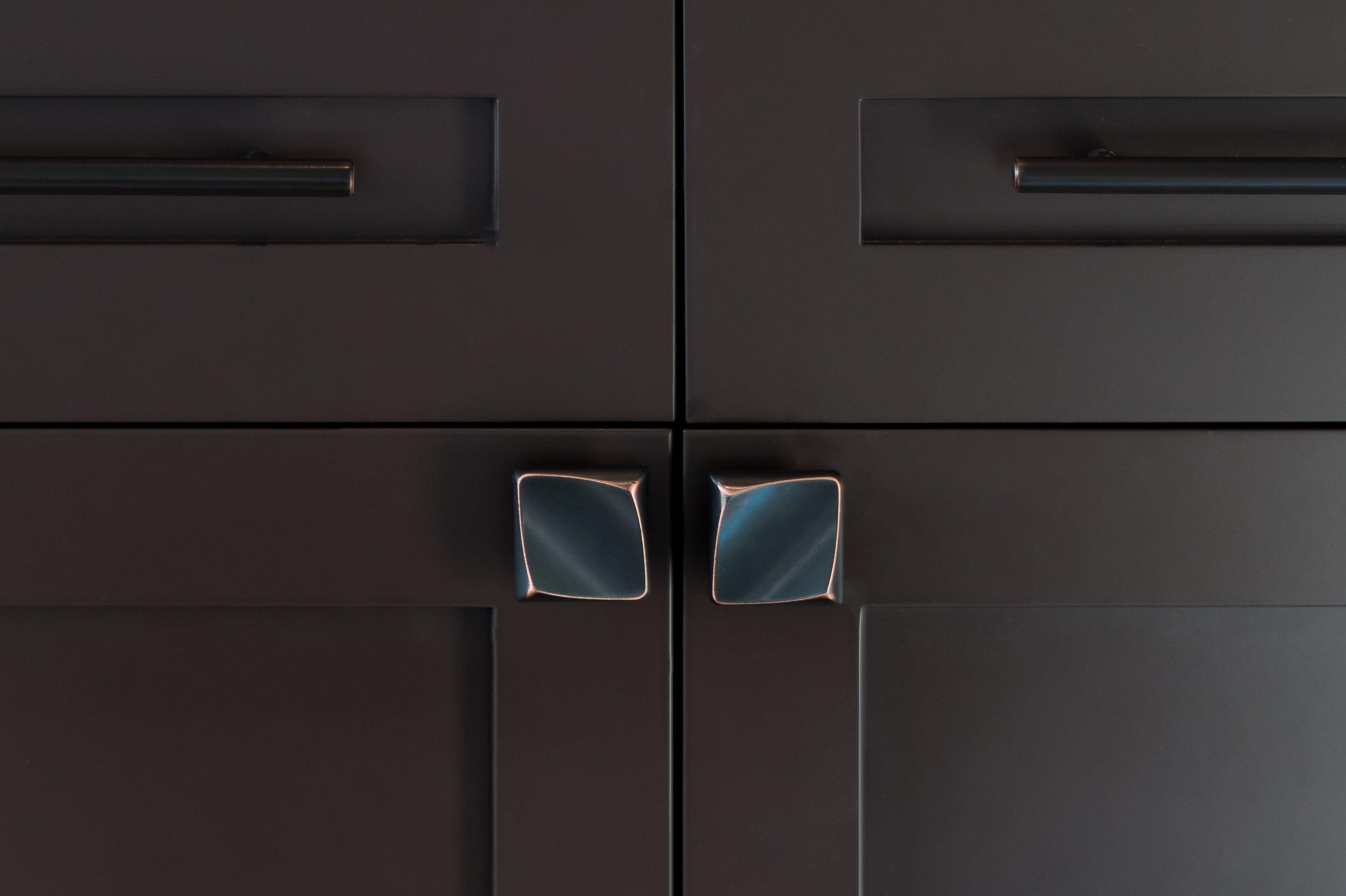 Emtek hardware modern kitchen.jpg