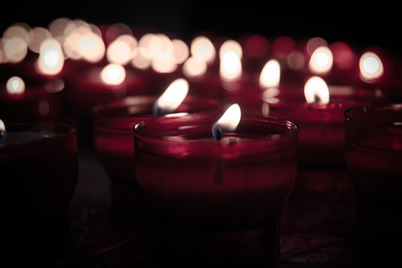candles-925141_1280