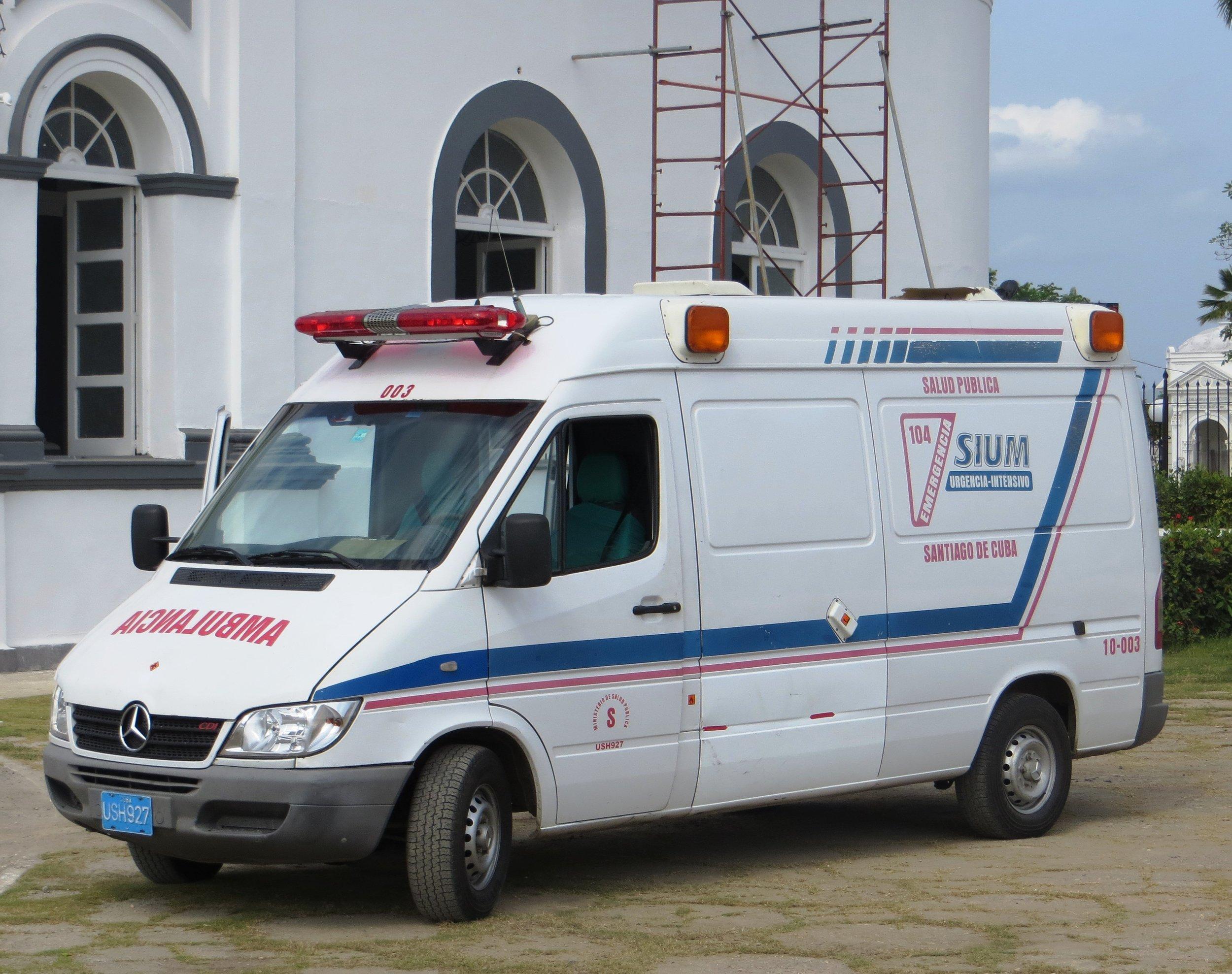 Cuba_ambulance.JPG