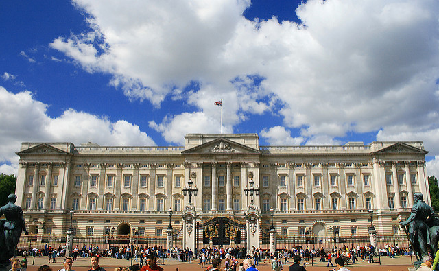 Buckingham Palace  (photo by  Valdiney Pimenta )