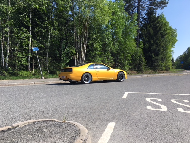 Mods:  Full exhaust, filter, eprom chip, wheels and resprayed by me in Lamborghini yellow pearl