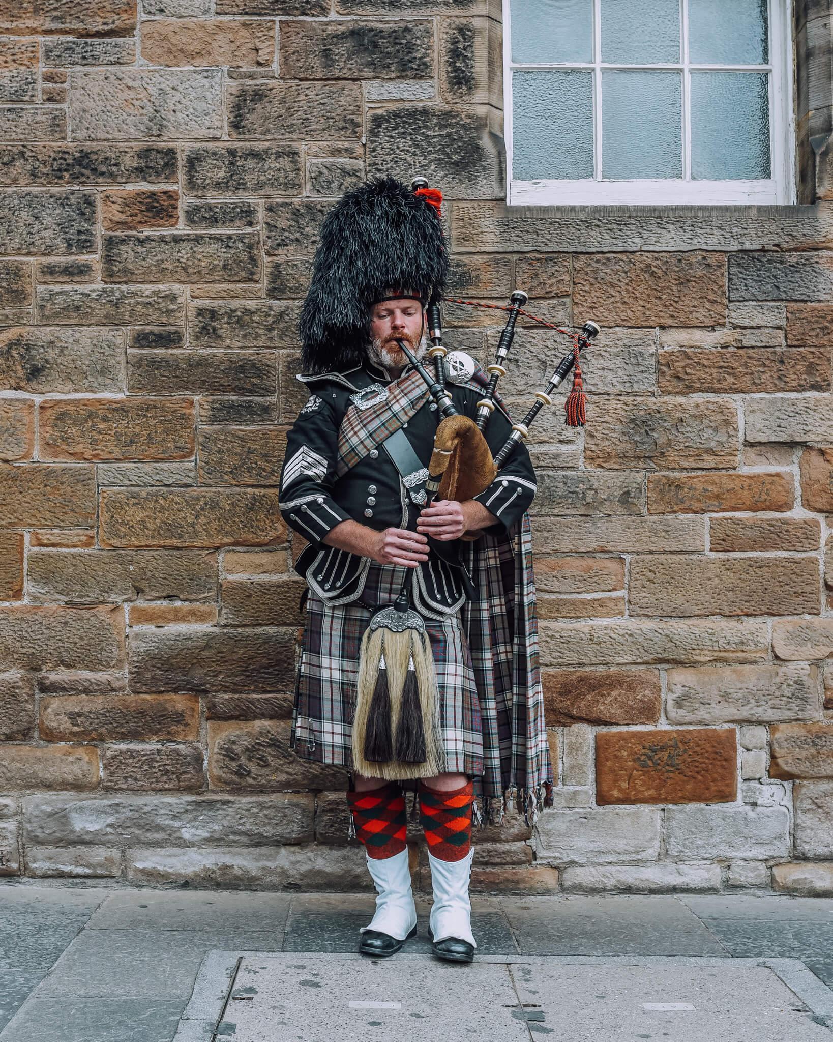 Edinburgh Men Kilt Bagpipe
