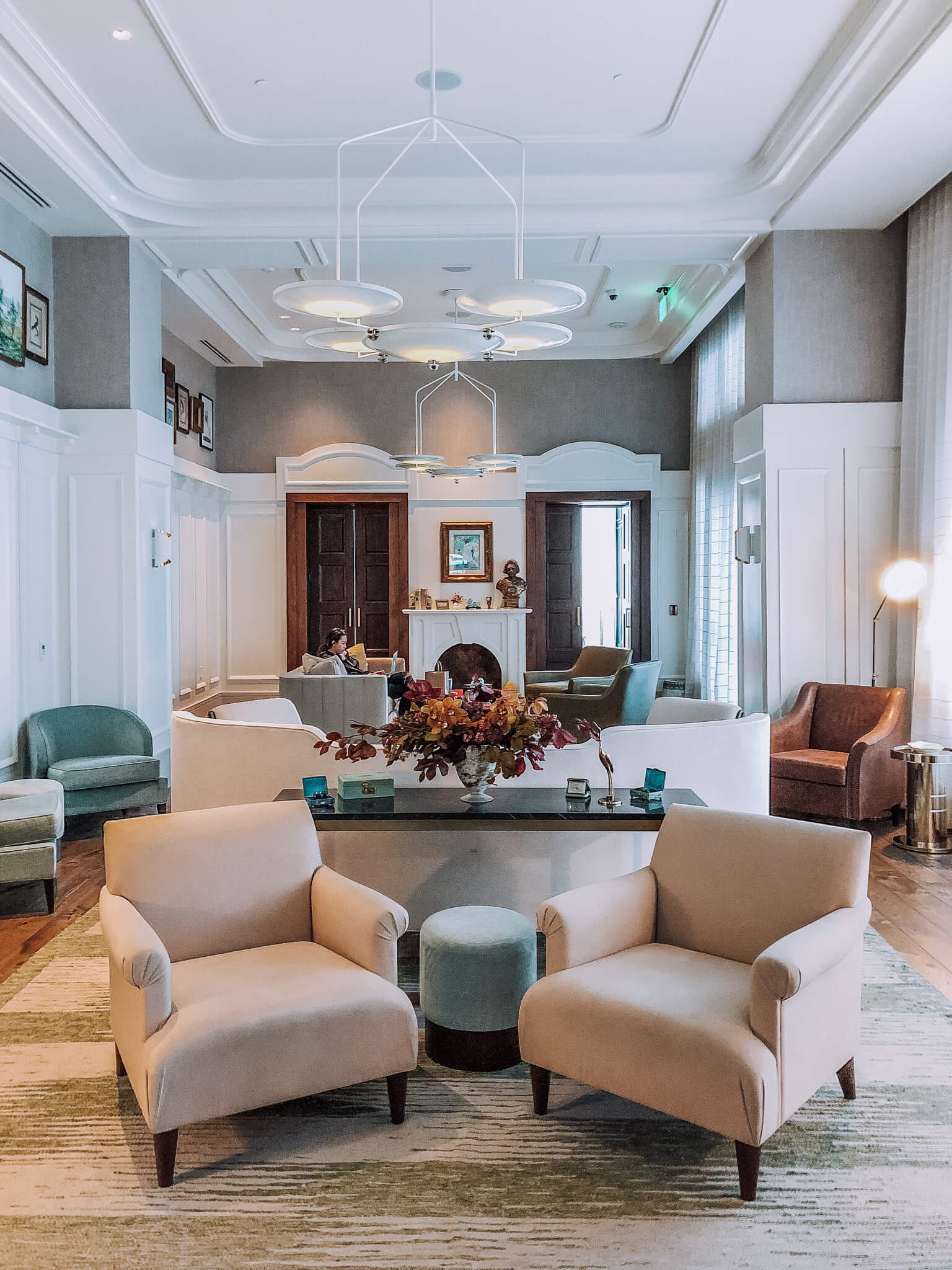 Perry Lane's lobby