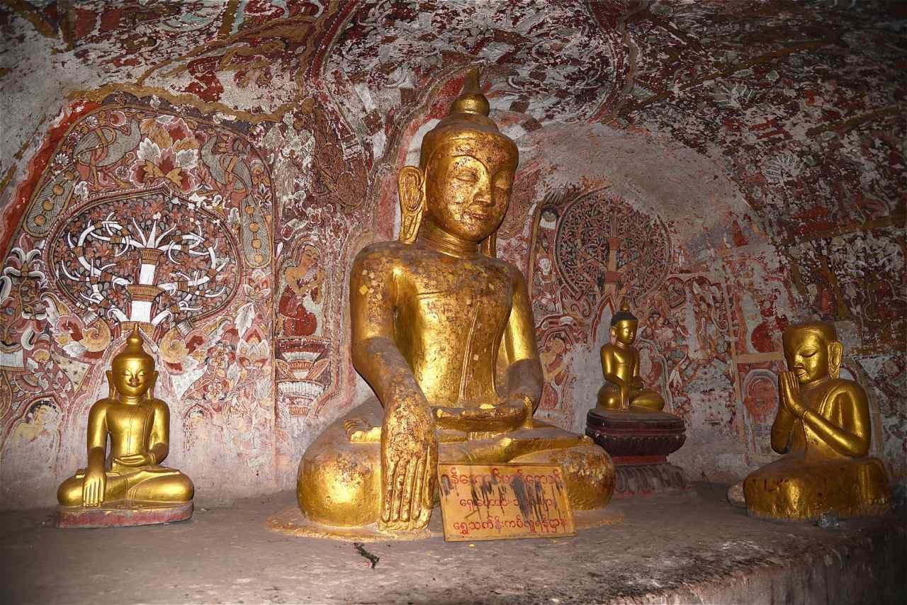 Burmese Buddha meditating, Hpo Win Daung cave