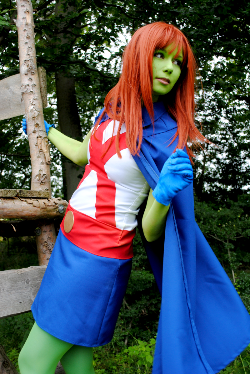 young_justice___miss_martian_ii_by_zacklin-d5nvxhd.png