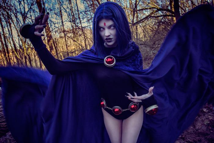 raven-cosplay-02.jpg