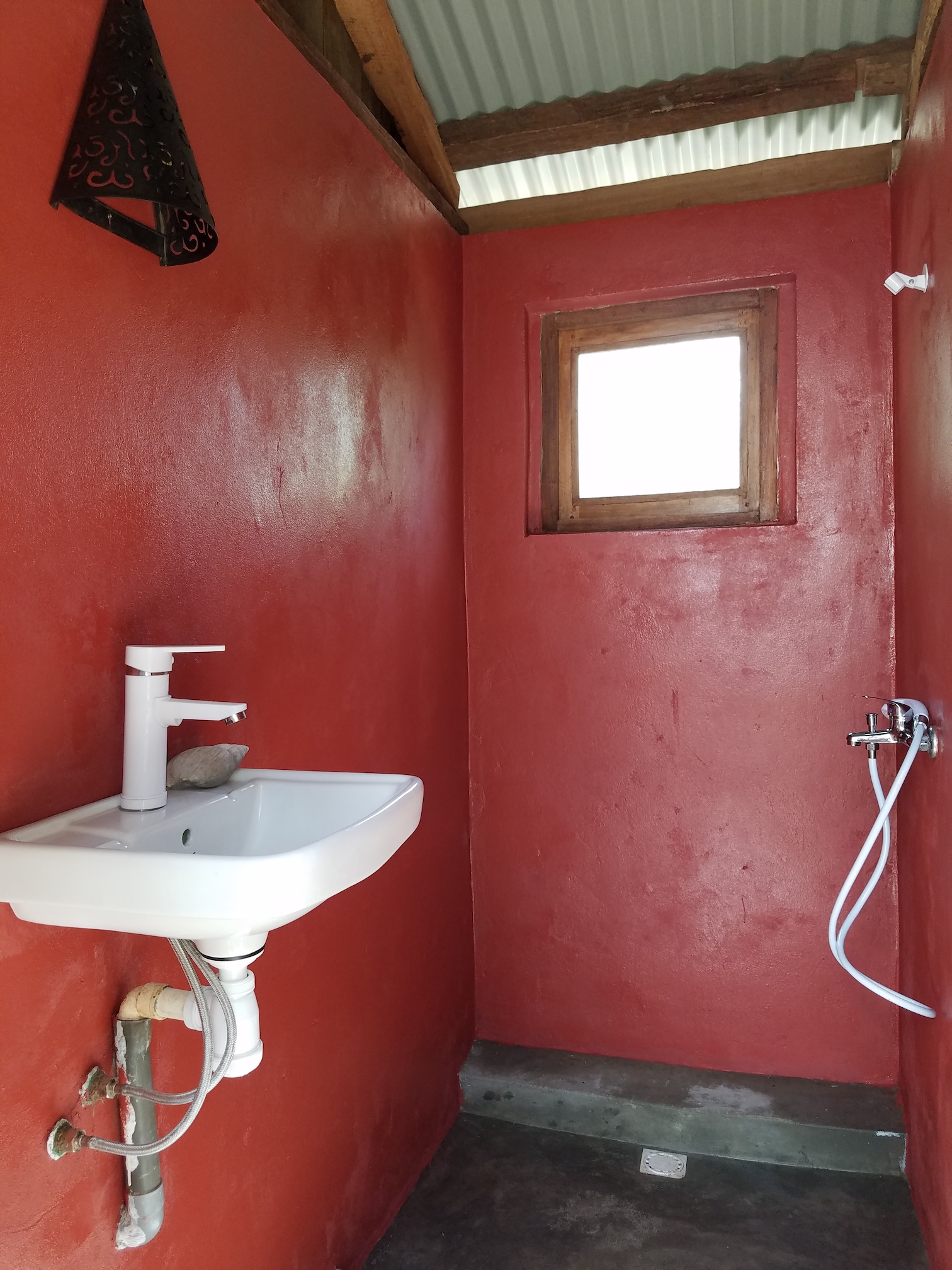 Kitesurf Madagascar Sakalava Diego Bathroom3.jpg