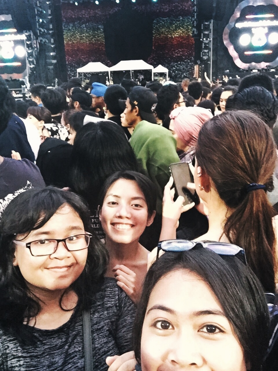 Waiting hours and hours for Coldplay.