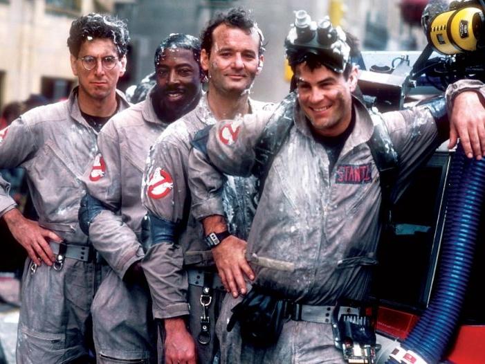 Ghostbusters (1984) - Who I gonna call whenever I need a classic but brilliant horror and thrill ride? Ghostbusters! Dari kecil, saya sudah jadi penggemar berat film ini. 'Ghostbusters' adalah film horor pertama yang pernah saya tonton dan sukai. Dulu saya suka banget sama efek-efek visualnya yang menghidupkan tokoh-tokoh horor dan peralatan tempur para Ghostbusters. And the gadgets are super cool at that time! As I get older, saya makin suka film ini karena dialog dan tokohnya yang kocak. It's a truly must-watched film!Image credit: sports.yahoo.com