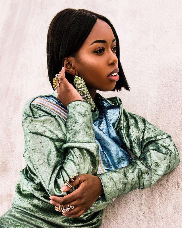 "Here's another from the @lapalmemagazine editorial ""A View From The Top"" Model: @mizmuttu  Styling: @mywway @amor_aeternus  Wearing: @gcdswear @itsbanafrit @amehlnyc • • • • • • • • • • #LaModel  #Instagood #FashionPhoto #NYFW #Editorial #NYCPhoto #model #Fashion #NYCArtist #Photographer #Onlocation #FashionEditorial #Film #Igers #Portrait #NYC #FashionWeek #columbusisfashion  #614artist #melaninpoppin #streetwear #newmodel #beautyshot #blackqueen #blackmodelsmatter"