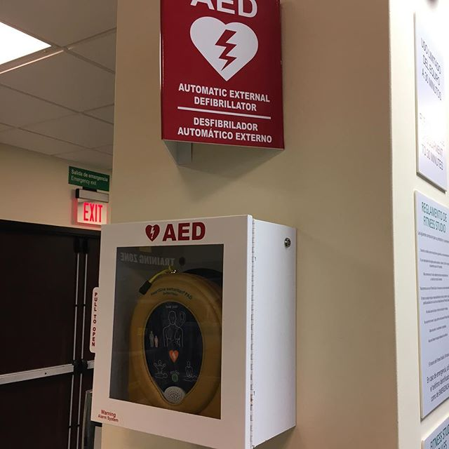 What's missing here? Maybe a tourniquet? Hemostatic gauze? Other bleeding control supplies?  #stopthebleed #stopthebleeding #aed #firstaid #firstaidkit #firstaidtraining #activeshooter