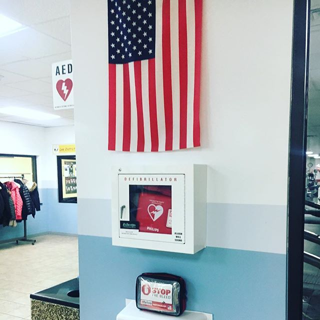 We walk past countless AEDs every day, yet we still remain unprepared for active shooter and other mass casualty incidents. We need bleeding control kits with tourniquets and other life-saving trauma supplies alongside every AED!  #stopthebleed #aed #firstaid #edc #ithrivemedical #america #activeshooter #mci #tourniquet