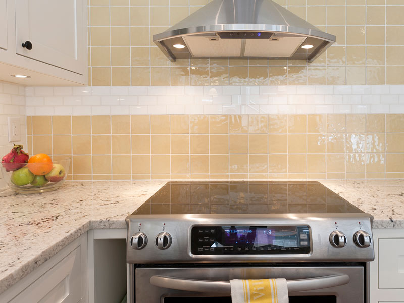 Accent tile brings warmth to the kitchen