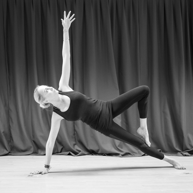 20161213 - Karine Yoga (1500) -32.jpg