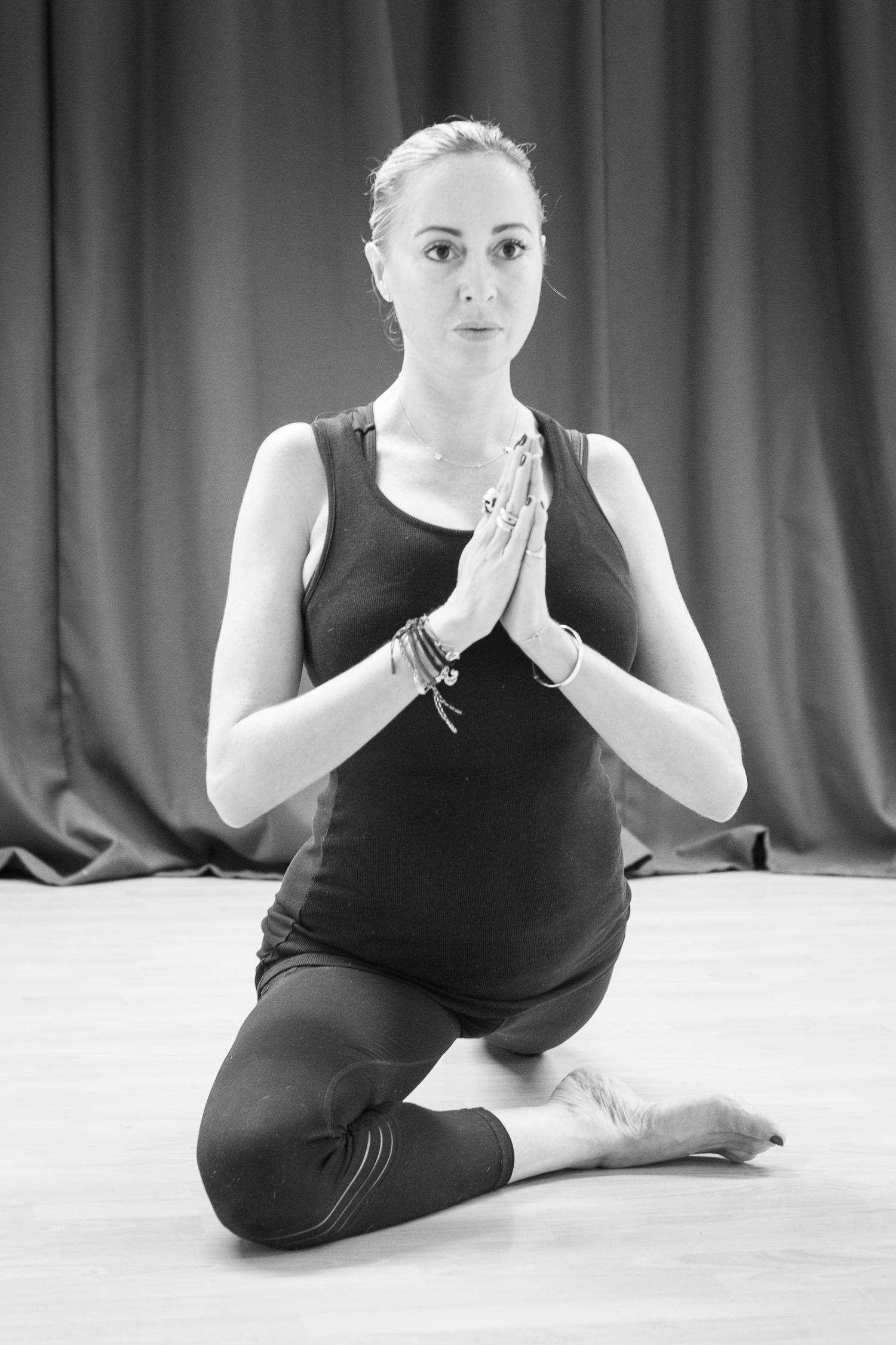 20161213 - Karine Yoga (1500) -36.jpg