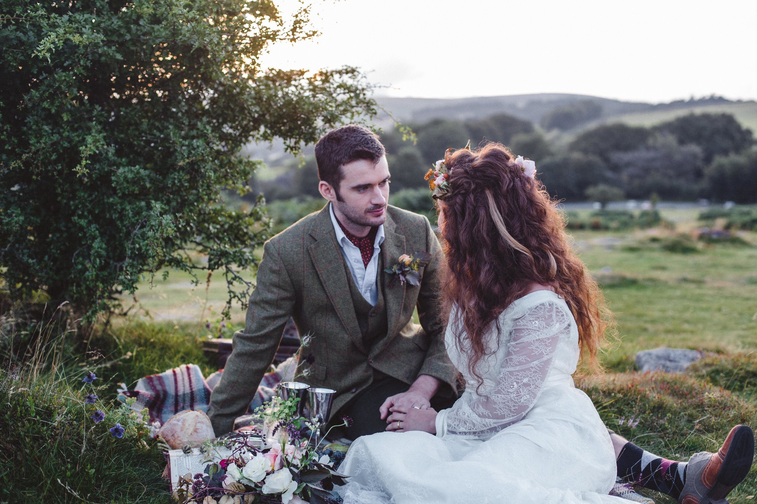 Enjoy a bit of quiet time with a wedding picnic to relax before the evening celebrations.