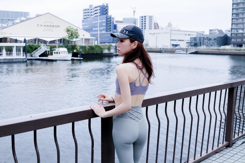 本井 美生  Mio Motoi   ■ メッセージ  トレーニングによって得られる外見的なシンプルな美しさや、内面的に洗練されていくマインド、健康的な身体は「歳を重ねる」ということをより魅力的にしてくれると思っています。トレーニングを通して自分をもっと好きになることで、ひとりひとりの個性がより魅力的に輝けるようにサポートさせて頂けたら嬉しいです◎   ■ 得意なトレーニング  自重を使った筋トレ / クロストレーニング / 食事管理 元々運動嫌いの私が始めたトレーニング方法や食事管理方法なので気軽に始められると思います。ヨガや有酸素も組み合わせる事で痩せやすい、怪我をしにくい身体への改善なども行なっています。   ■ その他  ランニング7年 / 筋トレ4年 / ロードバイク3年 / ヨガ4年