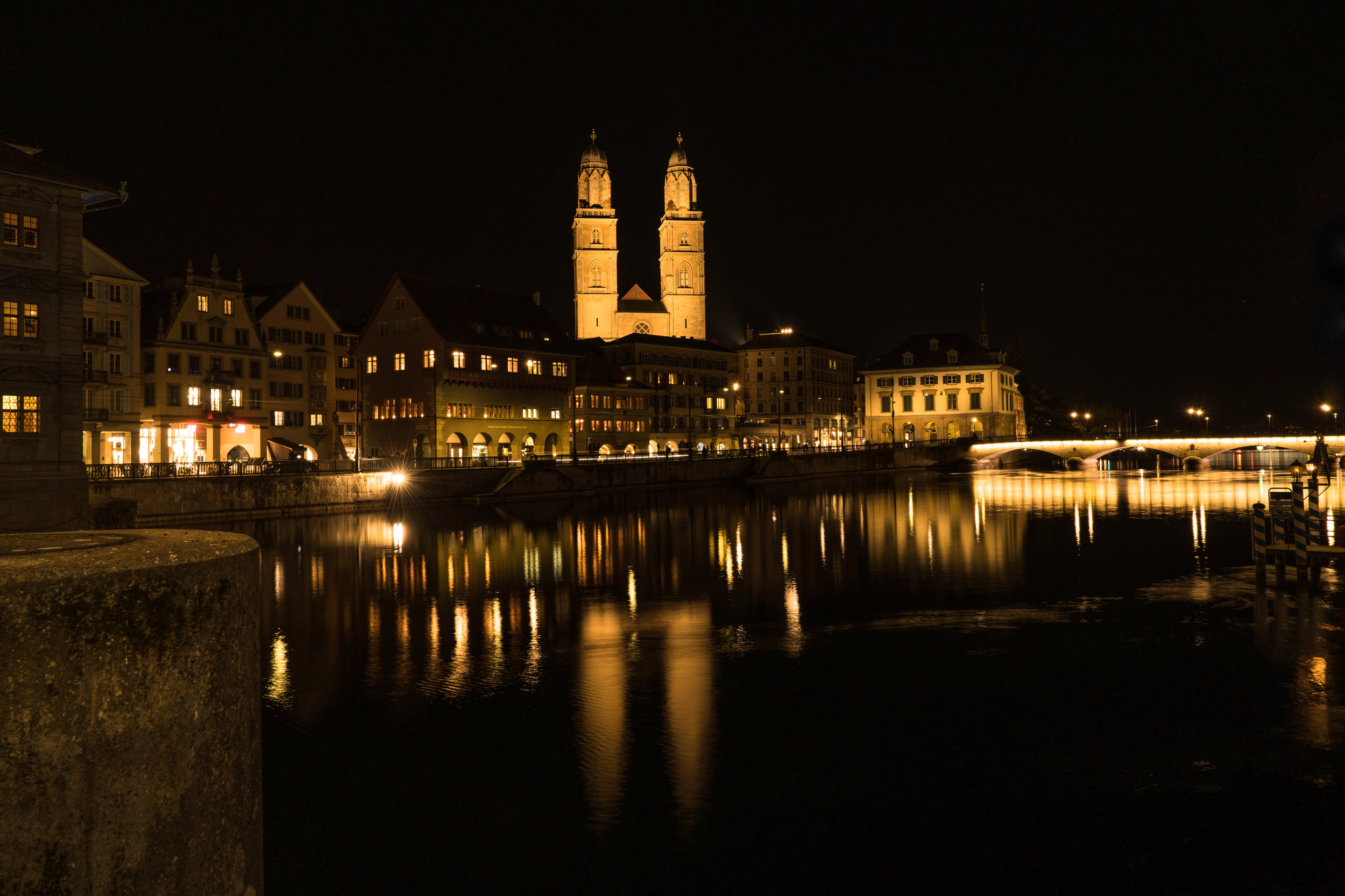 Grossmünster at night