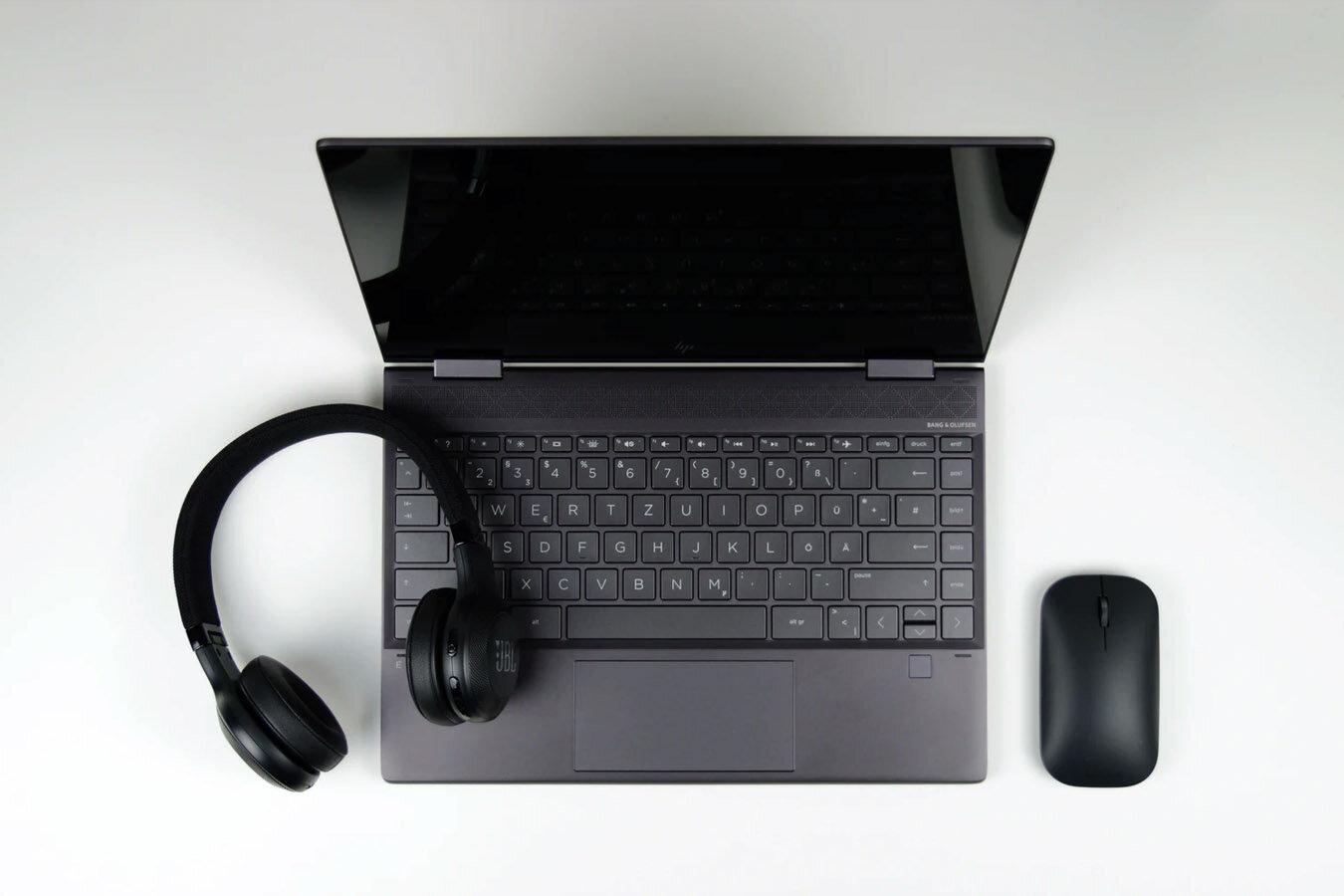 DELL vs HP.jpg