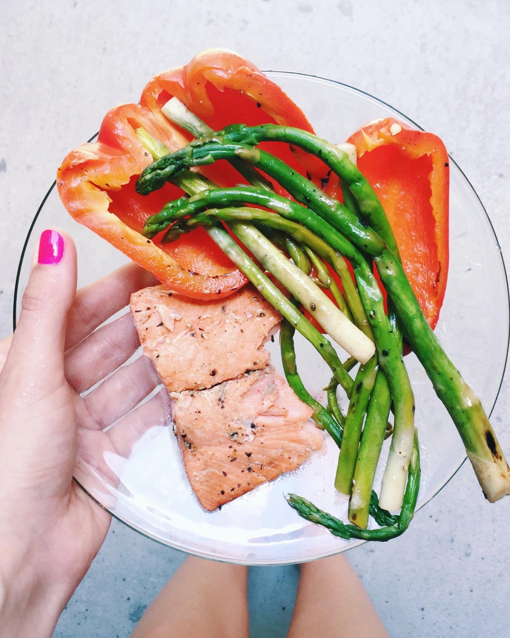 Salmon+and+veggies.jpg