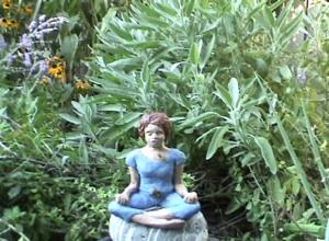 Sandra Gregson, still 4 from 'meditating with wasps' .jpg
