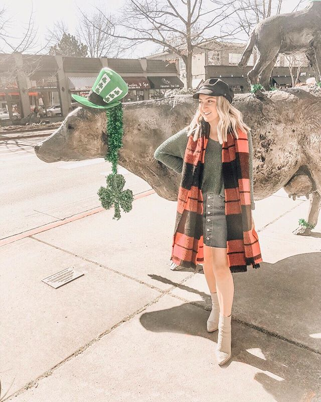 May the road rise up to meet you 🍀🇮🇪 Happy St. Patrick's Day from this McGuire fam to yours! #happy #stpatricksday #irish #ireland #lucky #cheers #slainte #lifestyle #blog #blogger #ootd #pnw #march #whiskey #mcguire