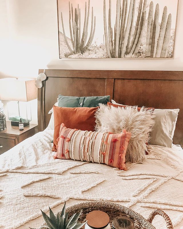 It's so much easier getting out of bed when it's sunny and 60 degrees! 🙌🏼 (Also thinking of ways to freshen up/change up our bedroom a little! Comment with any suggestions!) #spring #goodmorning #home #homedecor #homedesign #bedroom #boho #bohostyle #bohodecor #sleep #relax #maryhadalittlestylehome #cozy #fresh #bohobedroom #lifestyle #blog #pnw