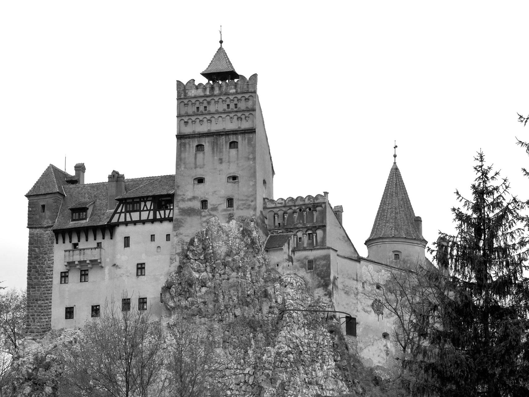 fortress-2413390_1920.jpg