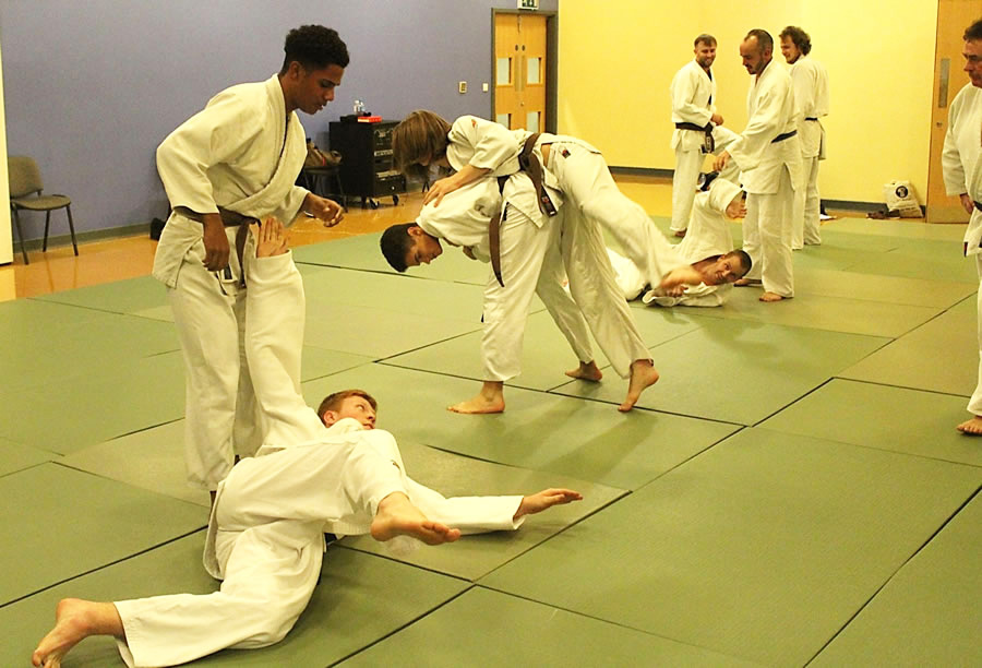 Judo-Photo-Class-for-teenagers-and-adults-at-Elmbridge-Xcel-Sports-Centre-Walton-on-Thames-on-Thursdays1.jpg