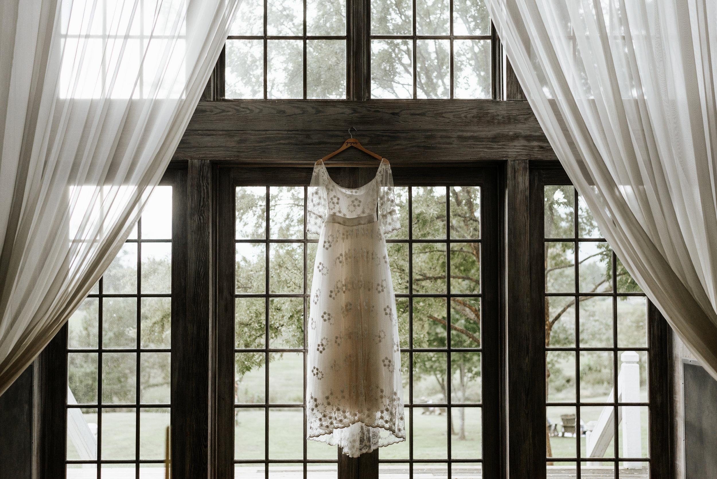 Veritas-Vineyards-and-Winery-Wedding-Photography-Afton-Virginia-Yasmin-Seth-Photography-by-V-8938.jpg