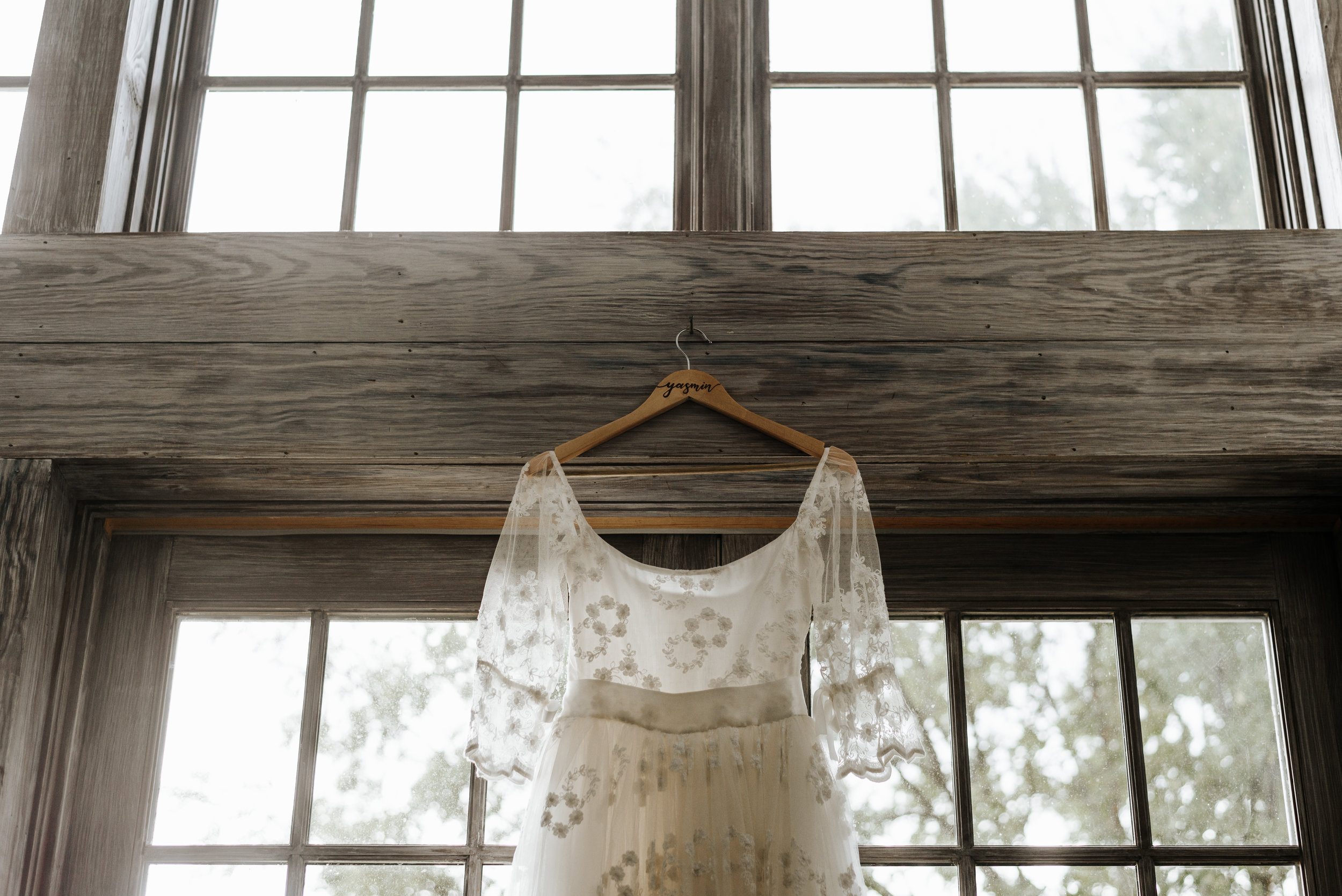Veritas-Vineyards-and-Winery-Wedding-Photography-Afton-Virginia-Yasmin-Seth-Photography-by-V-8943.jpg