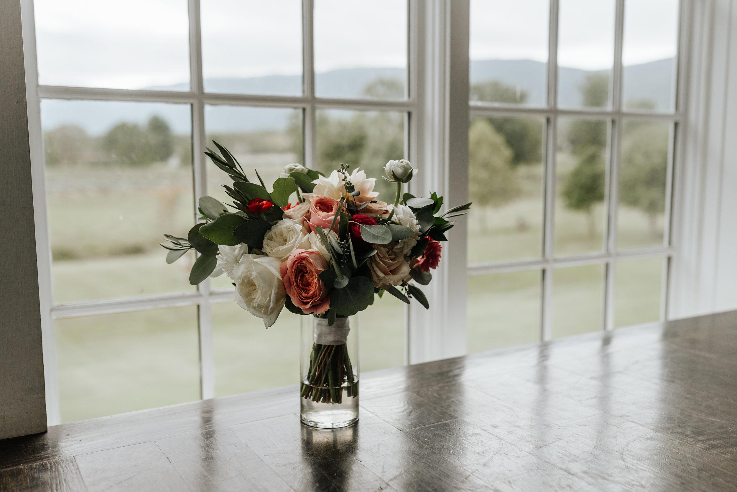 Veritas-Vineyards-and-Winery-Wedding-Photography-Afton-Virginia-Yasmin-Seth-Photography-by-V-9040.jpg