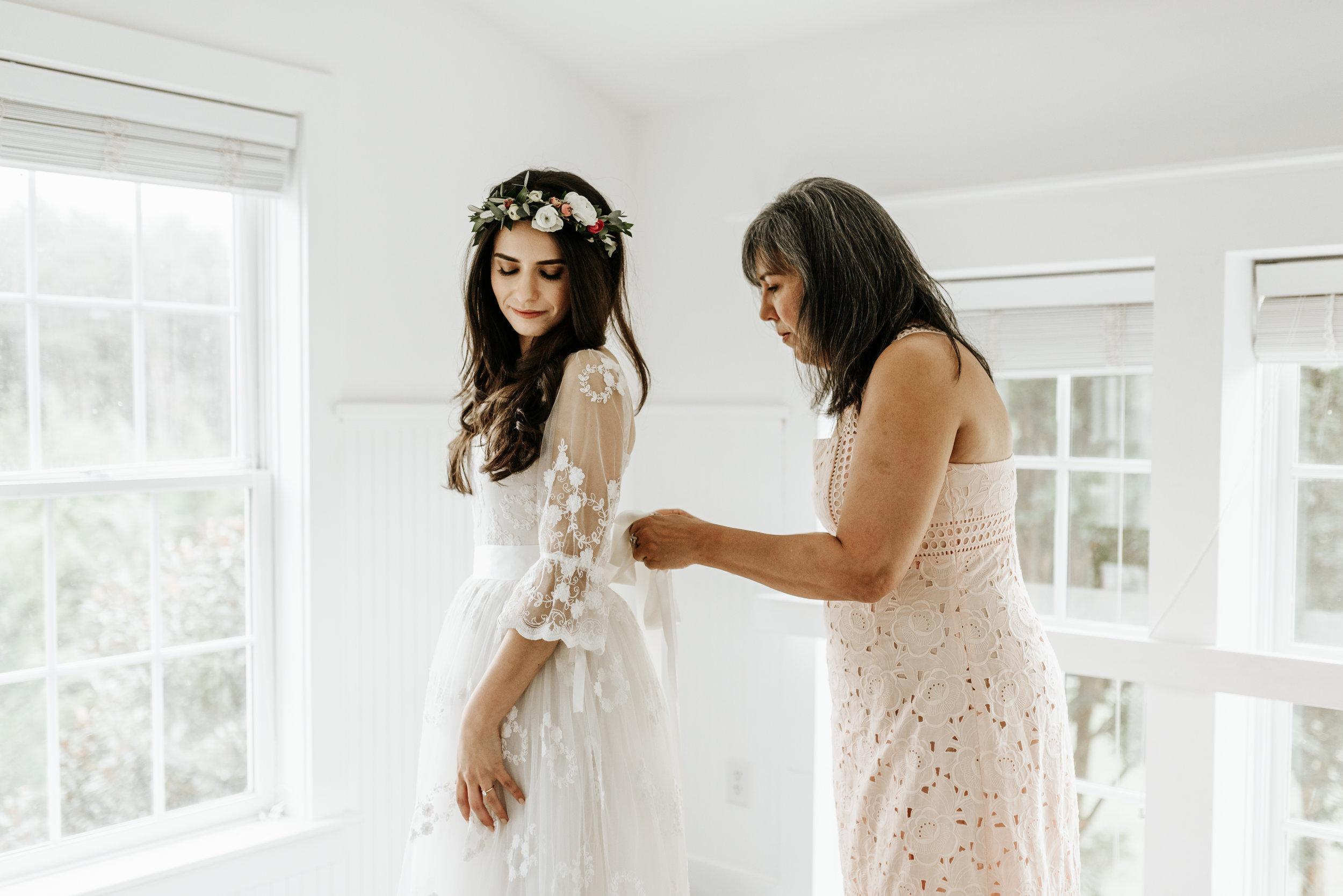 Veritas-Vineyards-and-Winery-Wedding-Photography-Afton-Virginia-Yasmin-Seth-Photography-by-V-9101.jpg