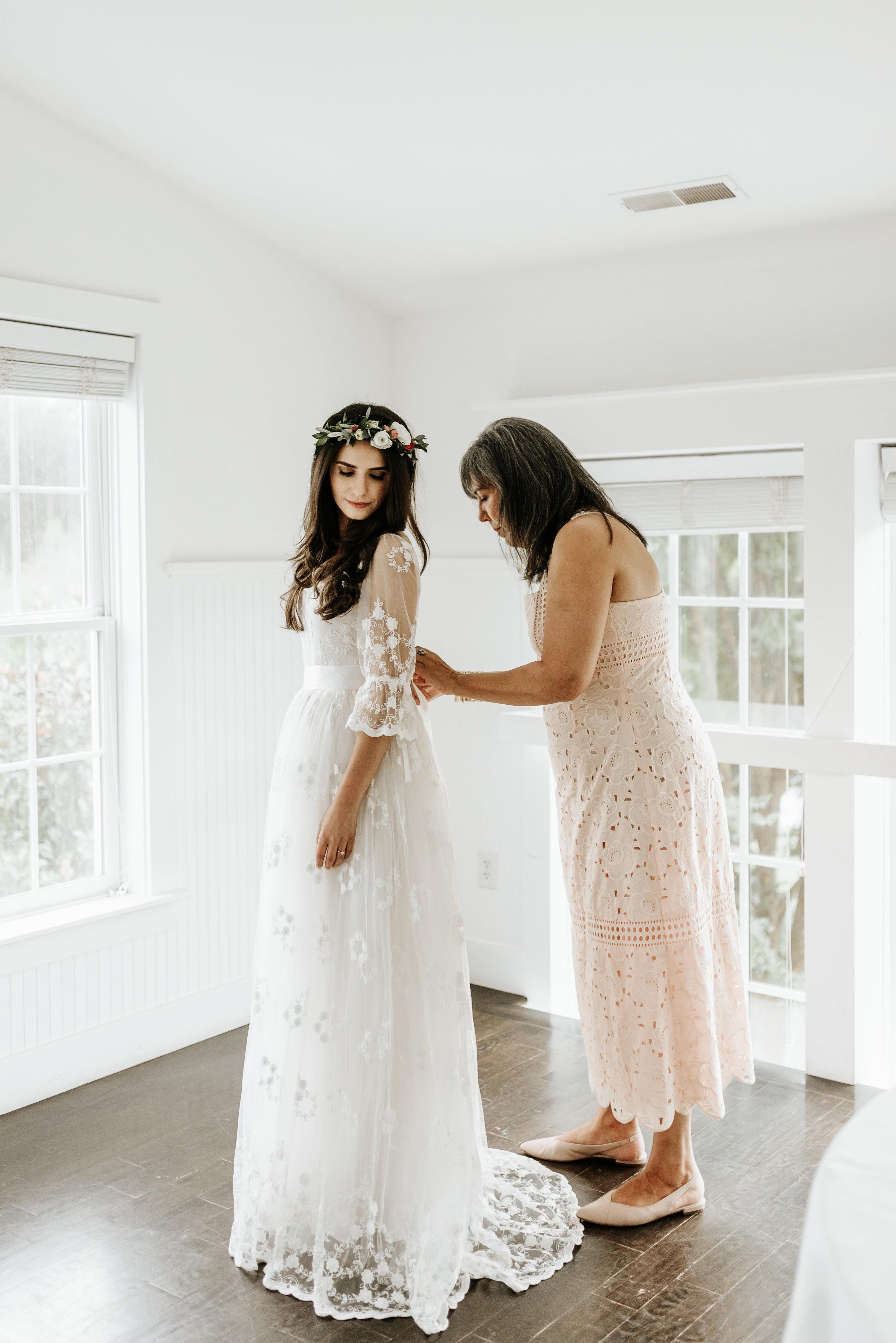 Veritas-Vineyards-and-Winery-Wedding-Photography-Afton-Virginia-Yasmin-Seth-Photography-by-V-9103.jpg