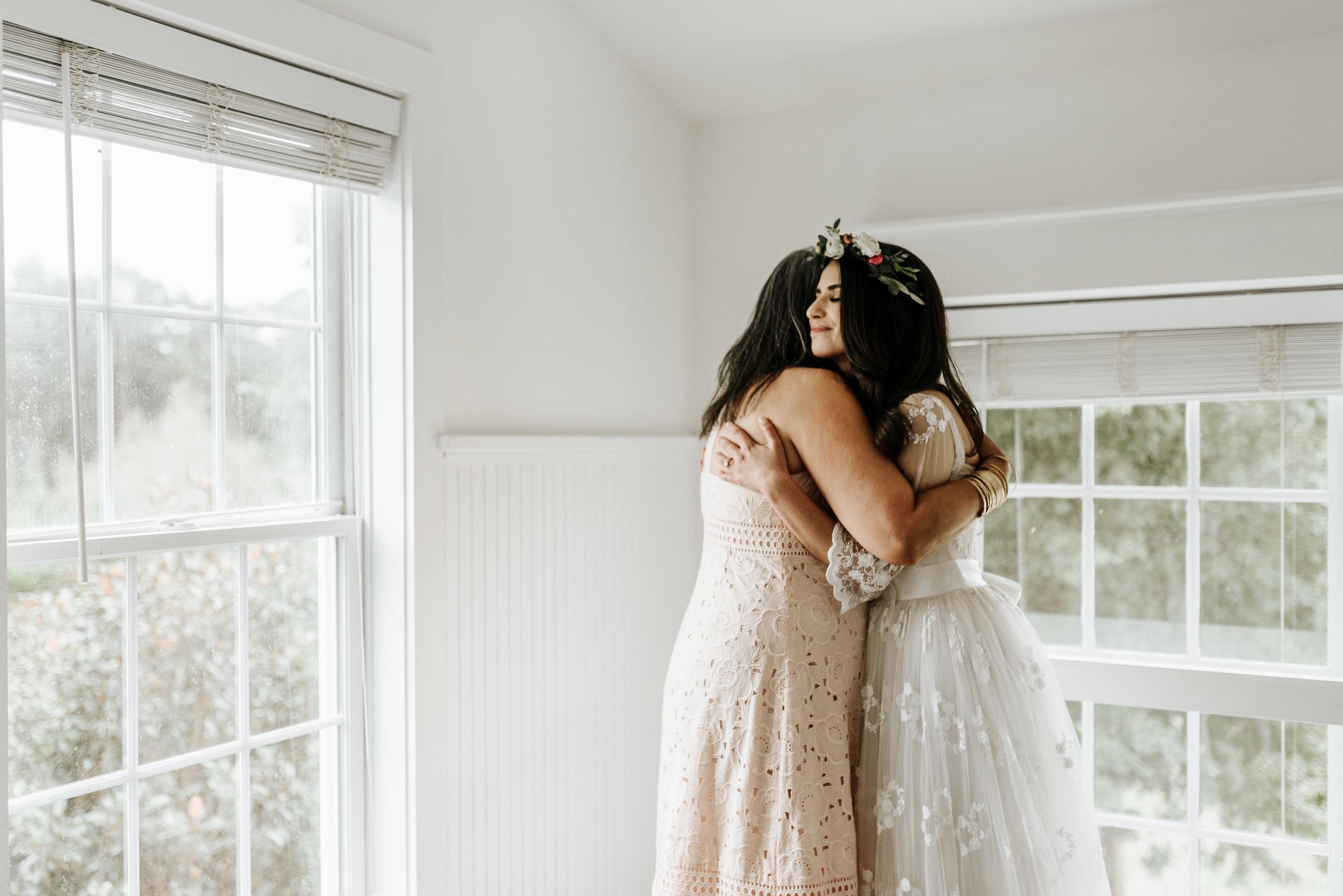 Veritas-Vineyards-and-Winery-Wedding-Photography-Afton-Virginia-Yasmin-Seth-Photography-by-V-9132.jpg