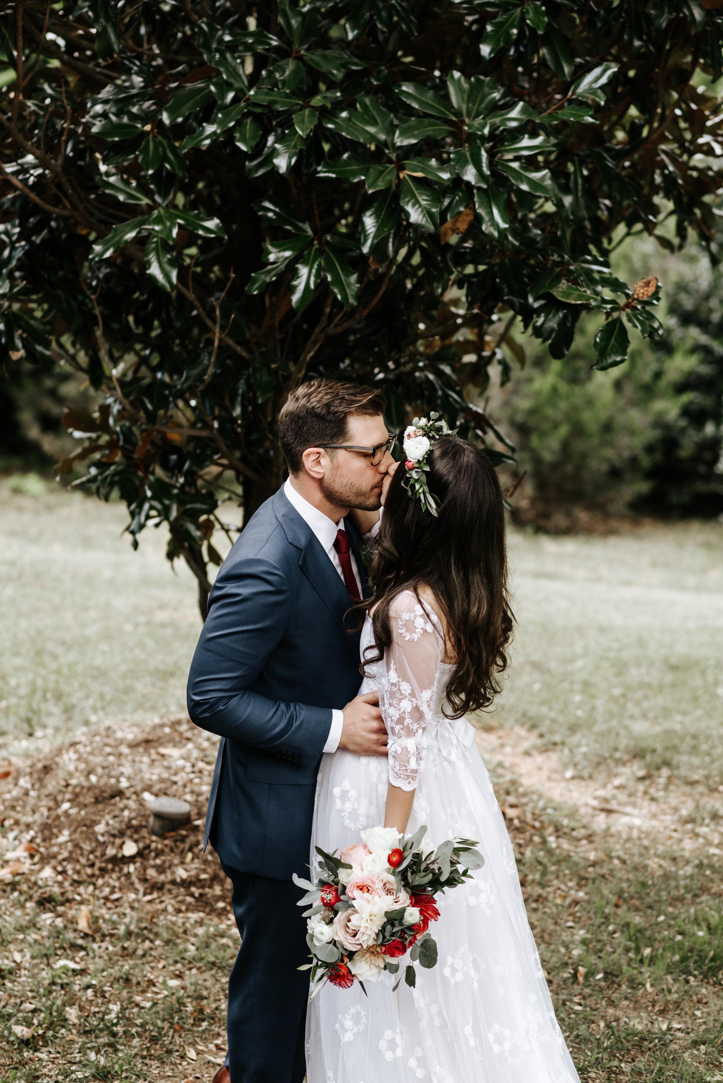 Veritas-Vineyards-and-Winery-Wedding-Photography-Afton-Virginia-Yasmin-Seth-Photography-by-V-2195.jpg
