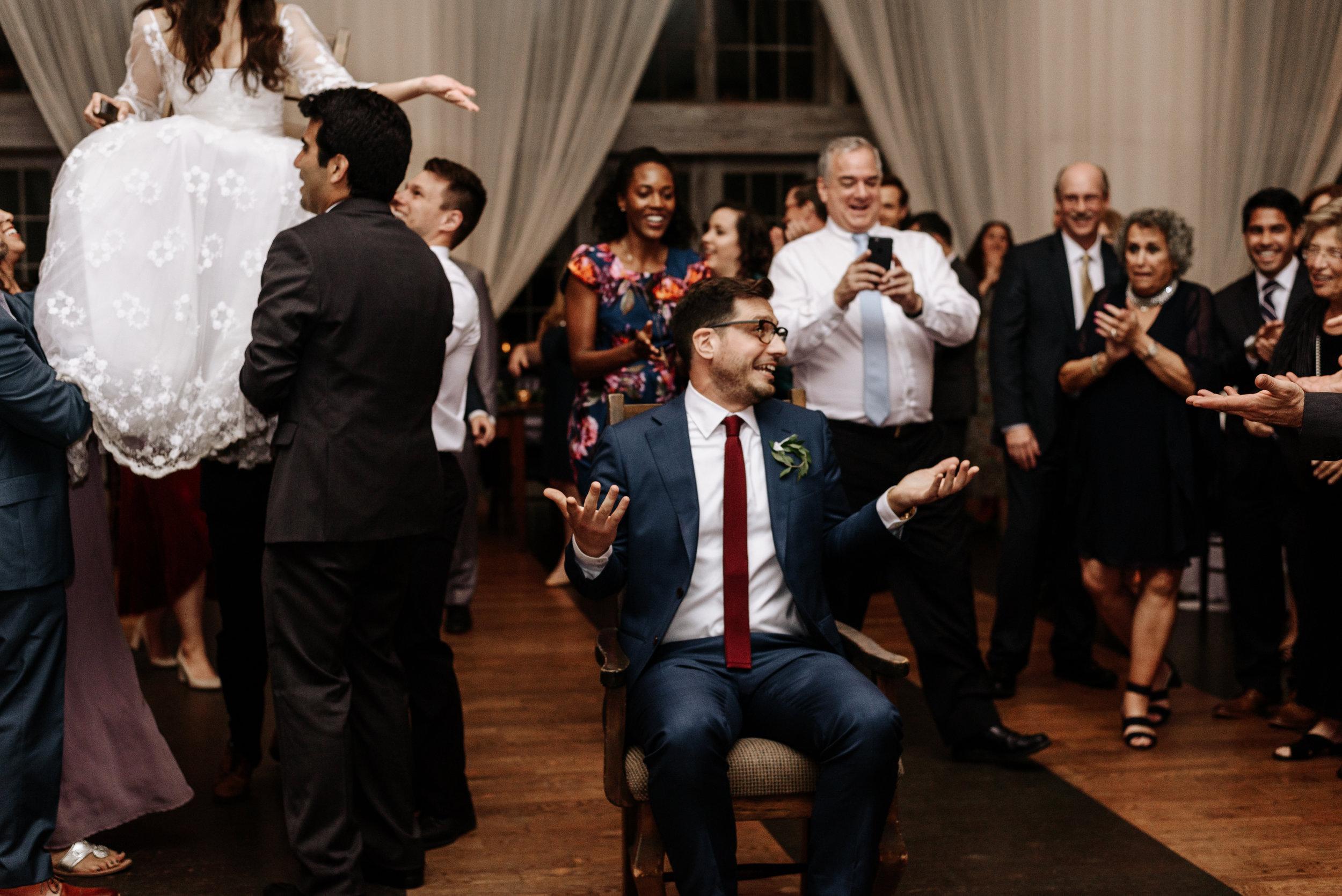 Veritas-Vineyards-and-Winery-Wedding-Photography-Afton-Virginia-Yasmin-Seth-Photography-by-V-3268.jpg