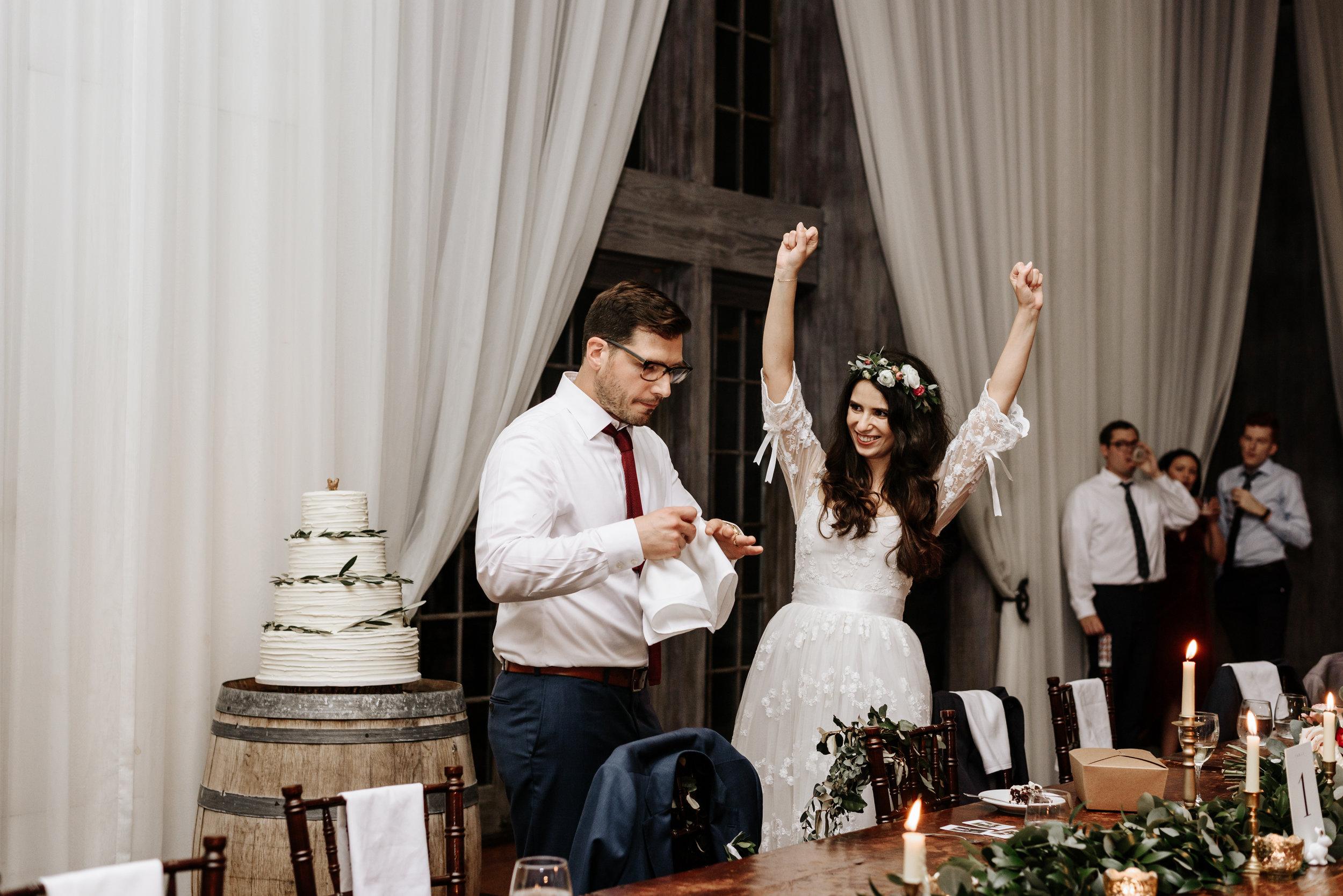 Veritas-Vineyards-and-Winery-Wedding-Photography-Afton-Virginia-Yasmin-Seth-Photography-by-V-3513.jpg
