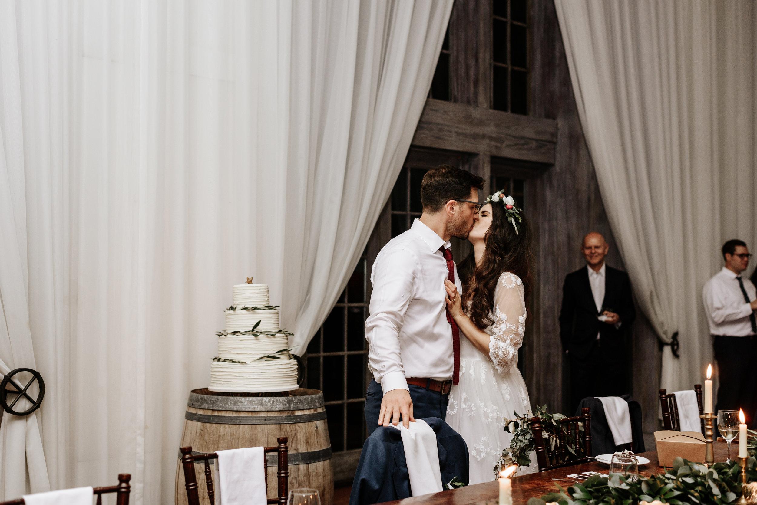 Veritas-Vineyards-and-Winery-Wedding-Photography-Afton-Virginia-Yasmin-Seth-Photography-by-V-3514.jpg