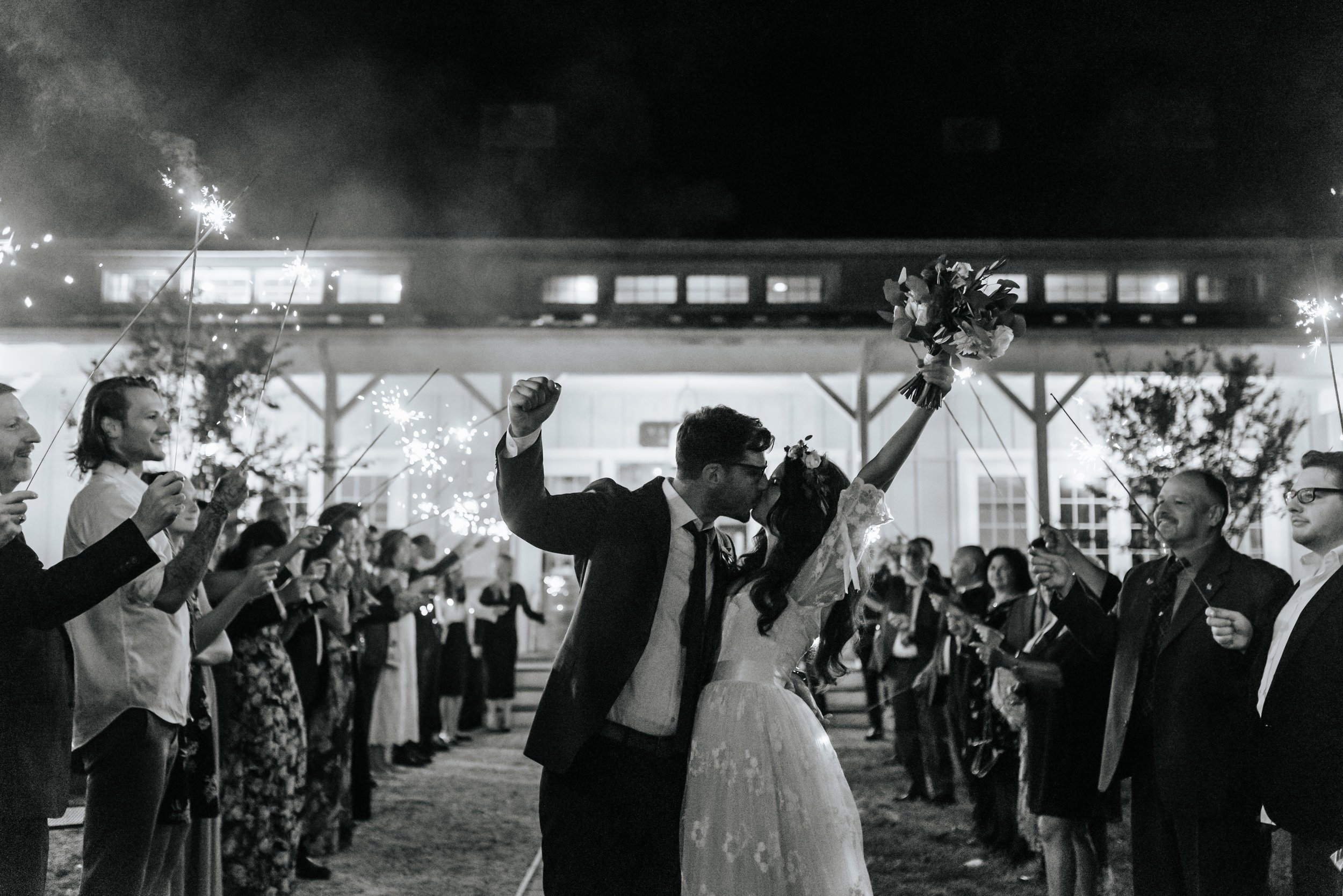 Veritas-Vineyards-and-Winery-Wedding-Photography-Afton-Virginia-Yasmin-Seth-Photography-by-V-9943.jpg