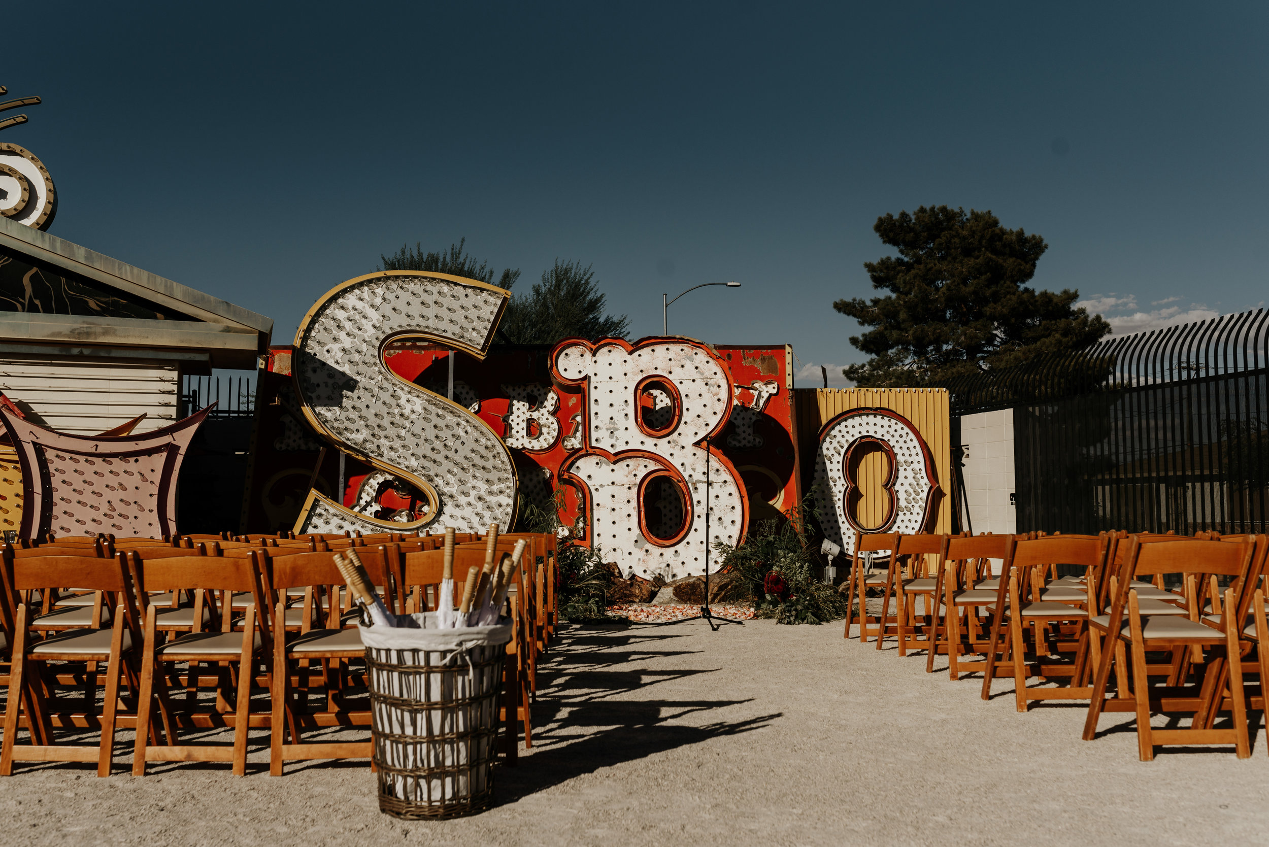 Neon-Museum-Wedding-Las-Vegas-Nevada-Golden-Nugget-Photography-by-V-Ally-and-Dan-2793.jpg