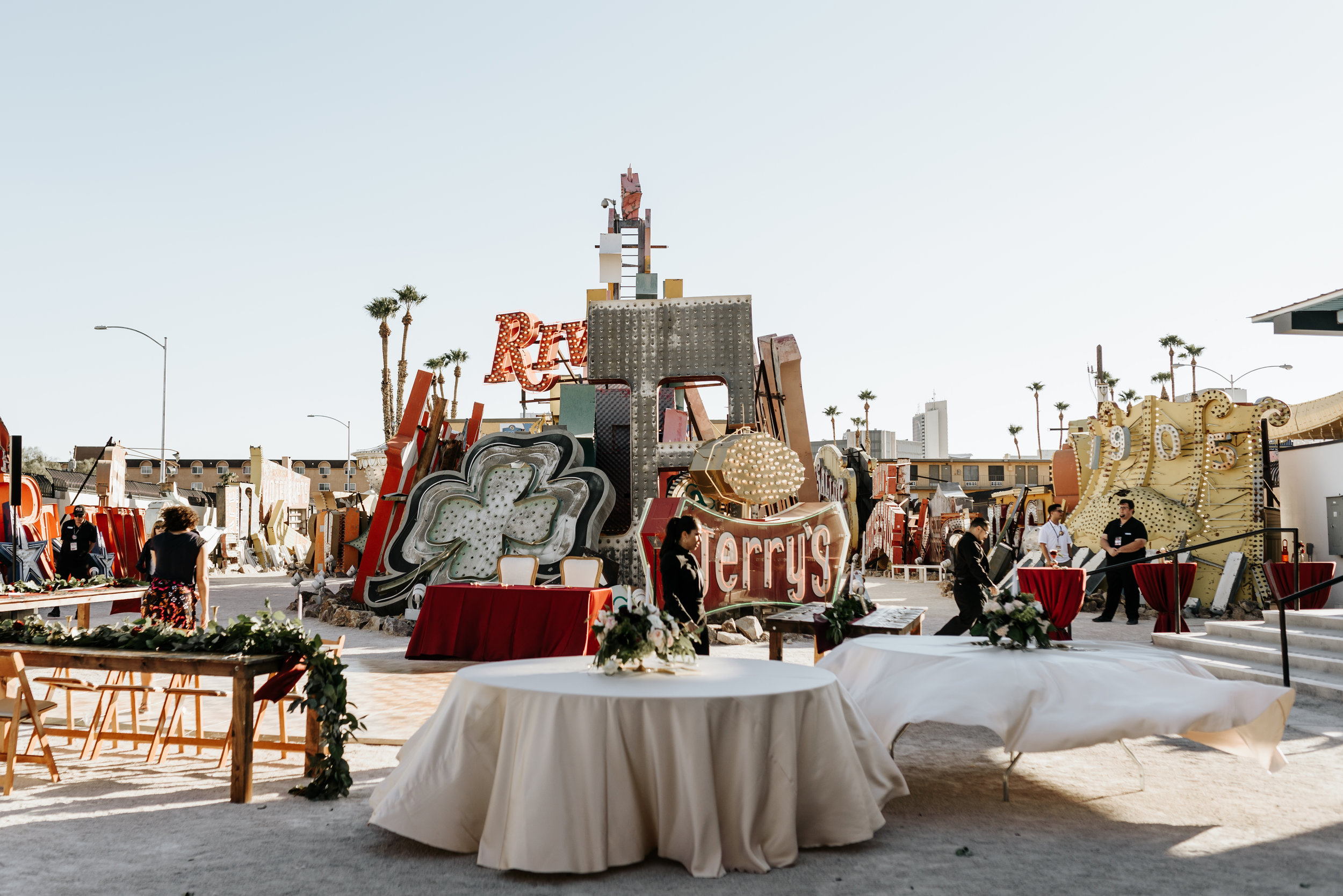 Neon-Museum-Wedding-Las-Vegas-Nevada-Golden-Nugget-Photography-by-V-Ally-and-Dan-2826.jpg