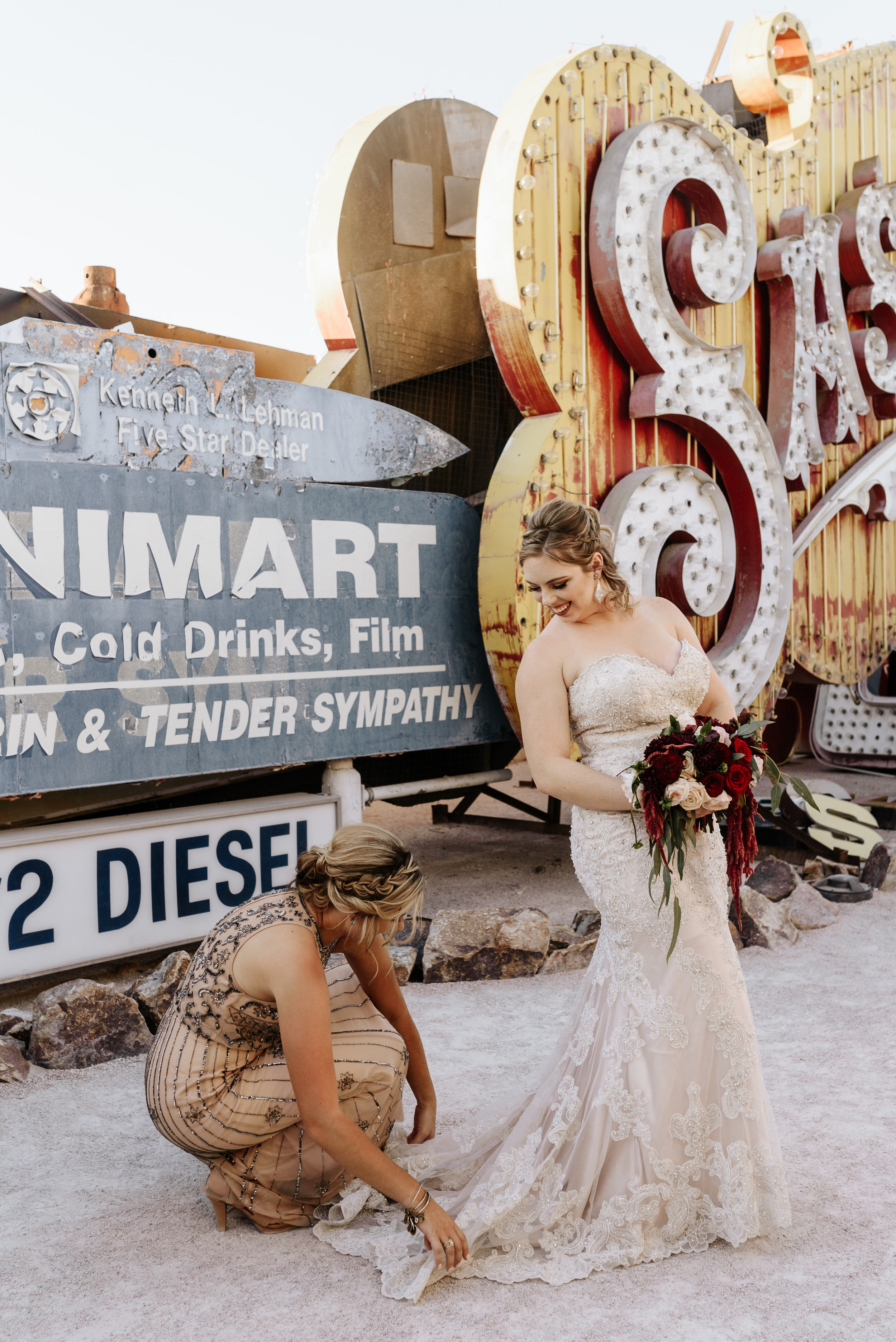 Neon-Museum-Wedding-Las-Vegas-Nevada-Golden-Nugget-Photography-by-V-Ally-and-Dan-3138.jpg